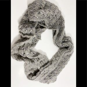 ❤️3/20 Infinity Scarf Gray with Silver Sequins